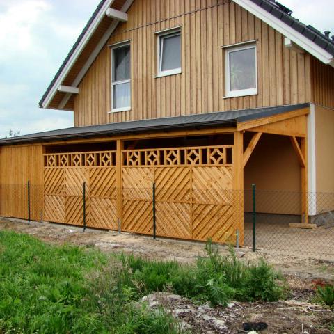 pultdach carport mit sichtschutz carports aus polen. Black Bedroom Furniture Sets. Home Design Ideas