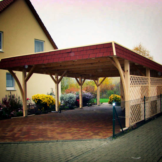 carport mit walmdach blende aus schindeln von 3 seiten. Black Bedroom Furniture Sets. Home Design Ideas